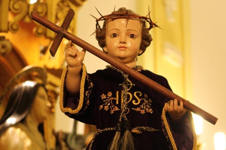 Jesus de Niño con corona de espinas